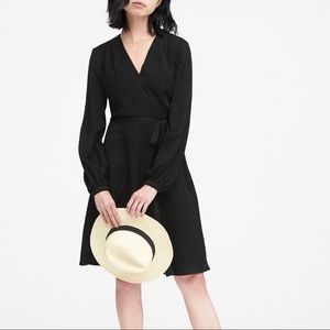 BANANA REPUBLIC | BLACK WRAP DRESS
